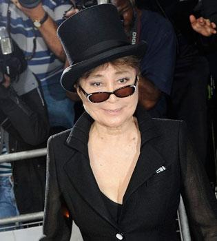 Yoko Ono, de destructora a salvadora de los Beatles