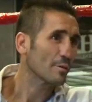 Poli Díaz, apuñalado en la puerta de su casa