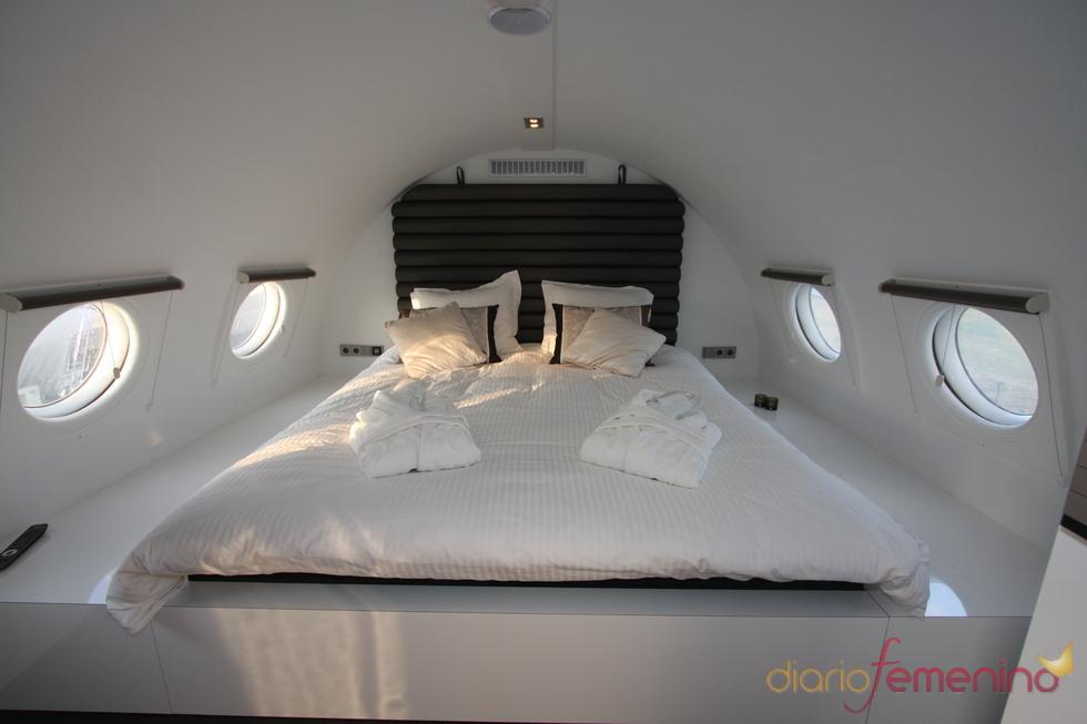 Vliegtuigsuite, cama de matrimonio