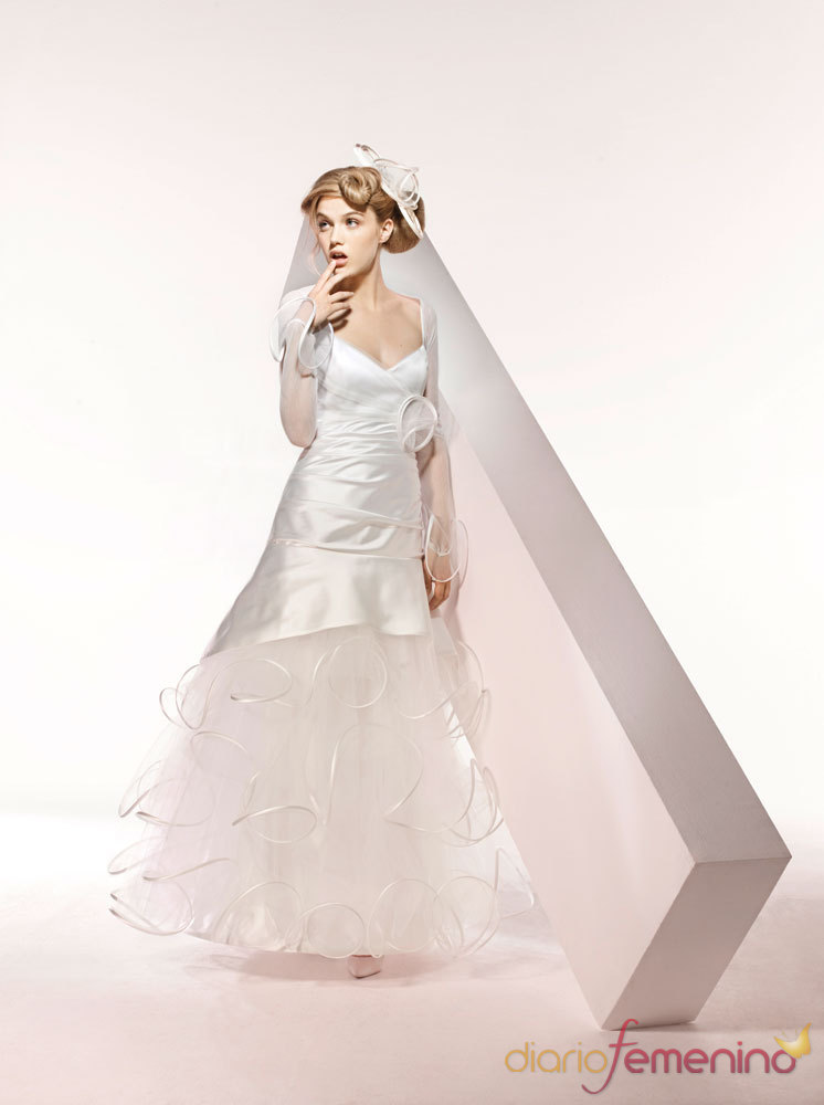 Vestidos de novias 2010: Suzanne Ermann. Modelo Camomille
