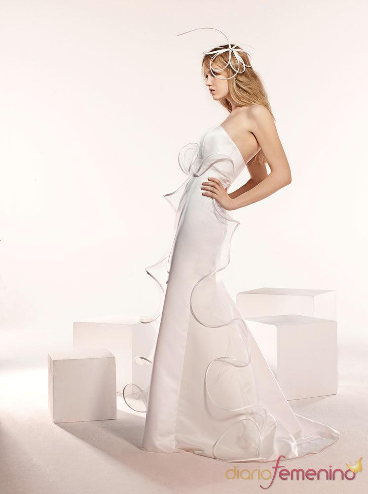 Catálogo Fotos Moda Paris - 2010 - Vestidos de Novia - Modelo Atalia