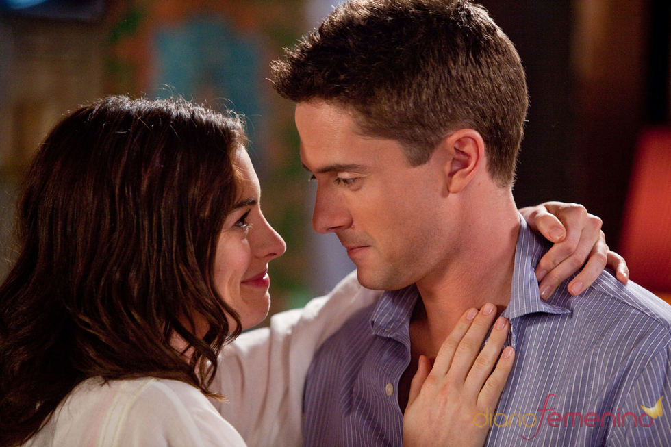 Anne Hathaway y Topher Grace