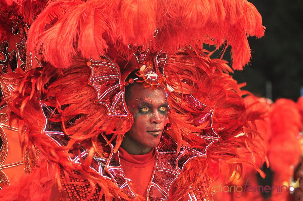 Carnaval Brasil 2010: Escuela Leandro de Itaquera al rojo vivo