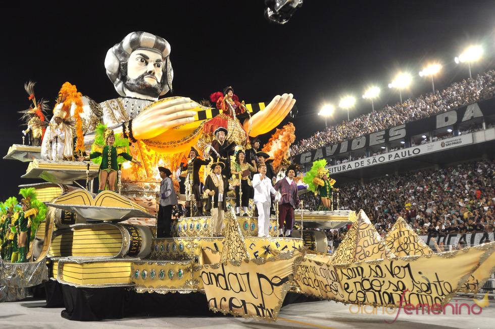Carnaval Brasil 2010: Escuela X-9, al abordaje