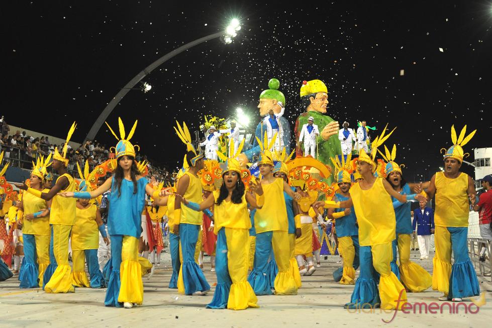 Carnaval Brasil 2010: Escuela Flor de Liz