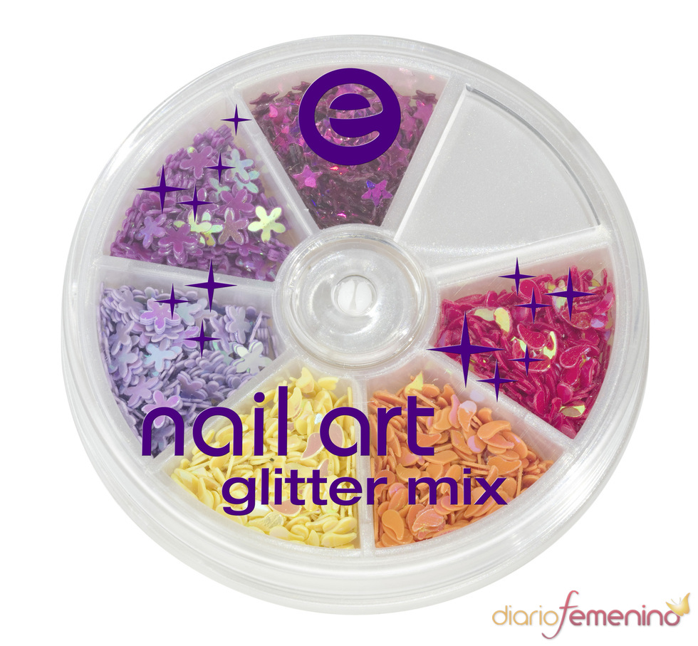 Essence: nail art mix de purpurina