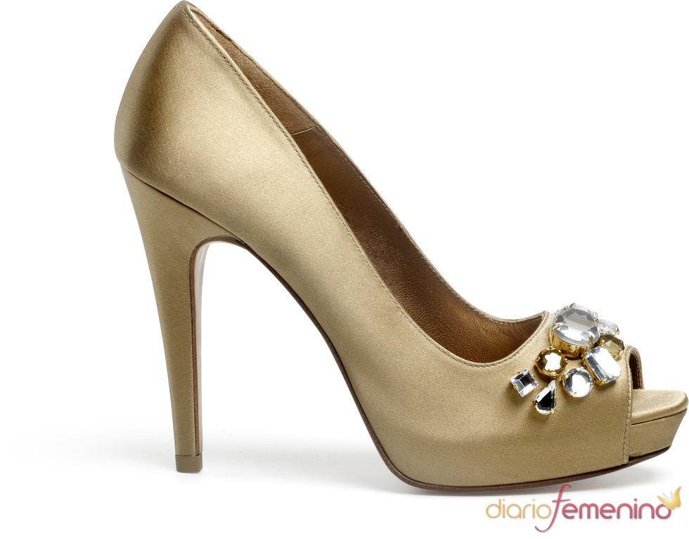 Lodi: zapatos dorados de fiesta