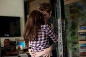 'Eclipse': a Robert Pattinson se le escapa la risa en el rodaje