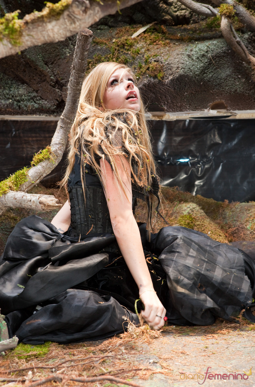 Videoclip de Avril Lavigne: 'Alice (Underground)'
