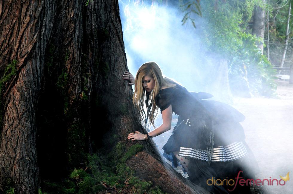 Videoclip de Avril Lavigne: en un mundo de fantasía
