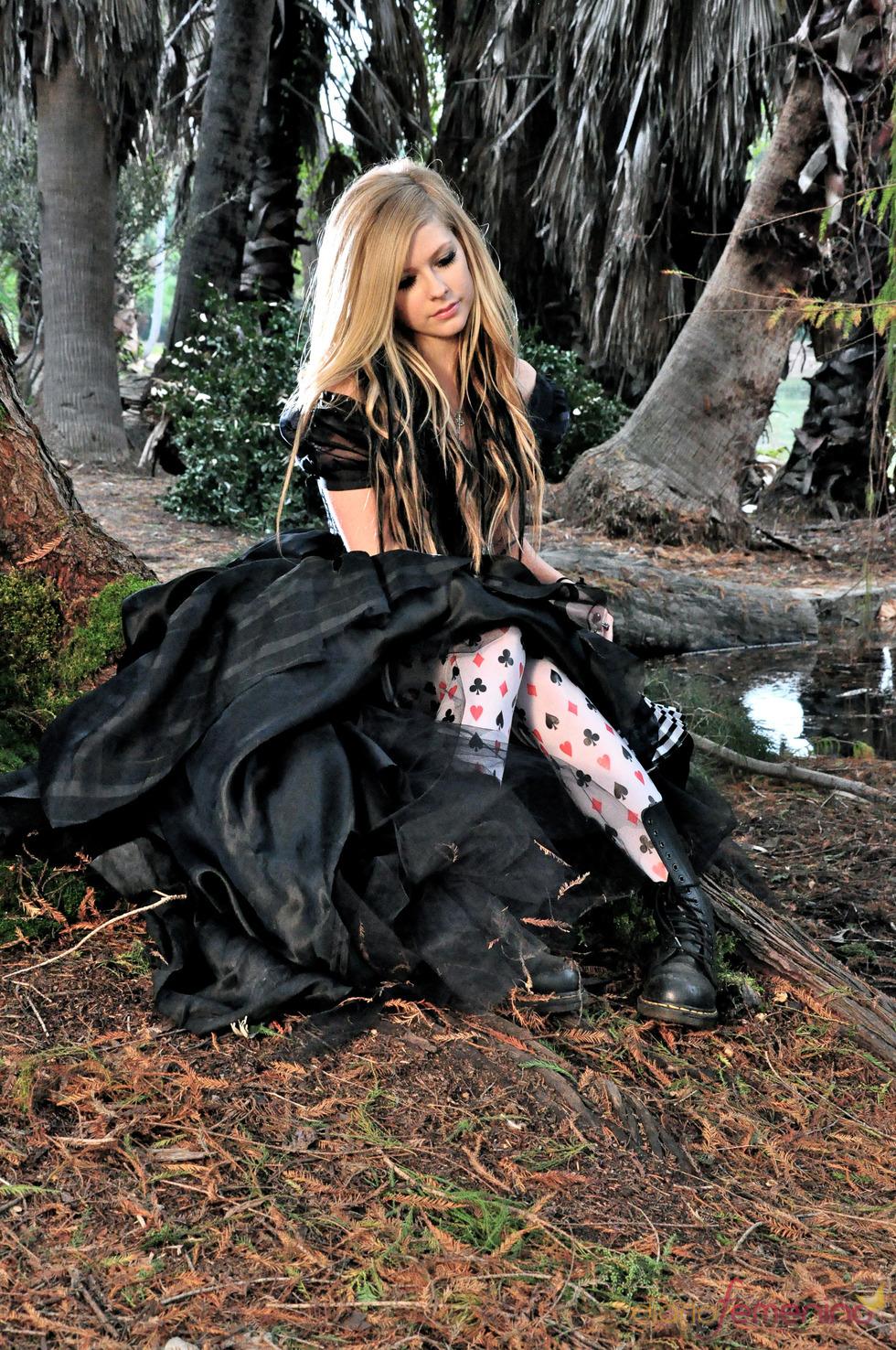 Videoclip de Avril Lavigne: un look para la ocasión