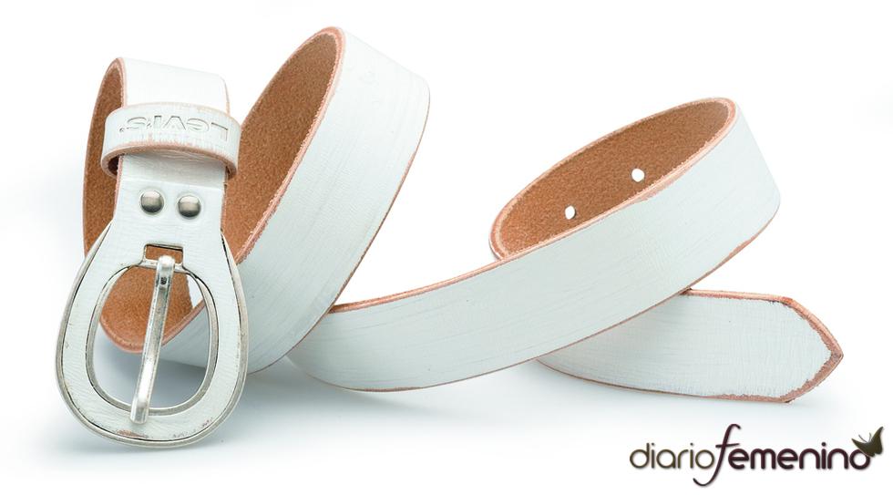 Levi's: cinturón blanco con hebilla original