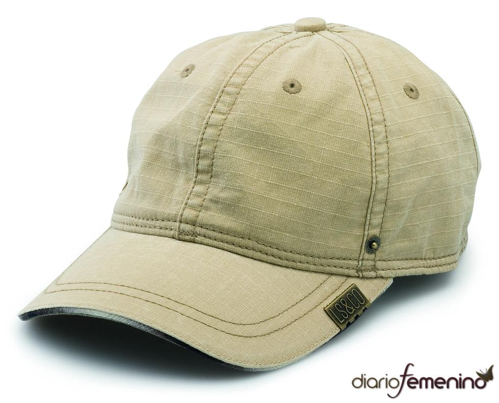 Levi's: gorra en tono caqui
