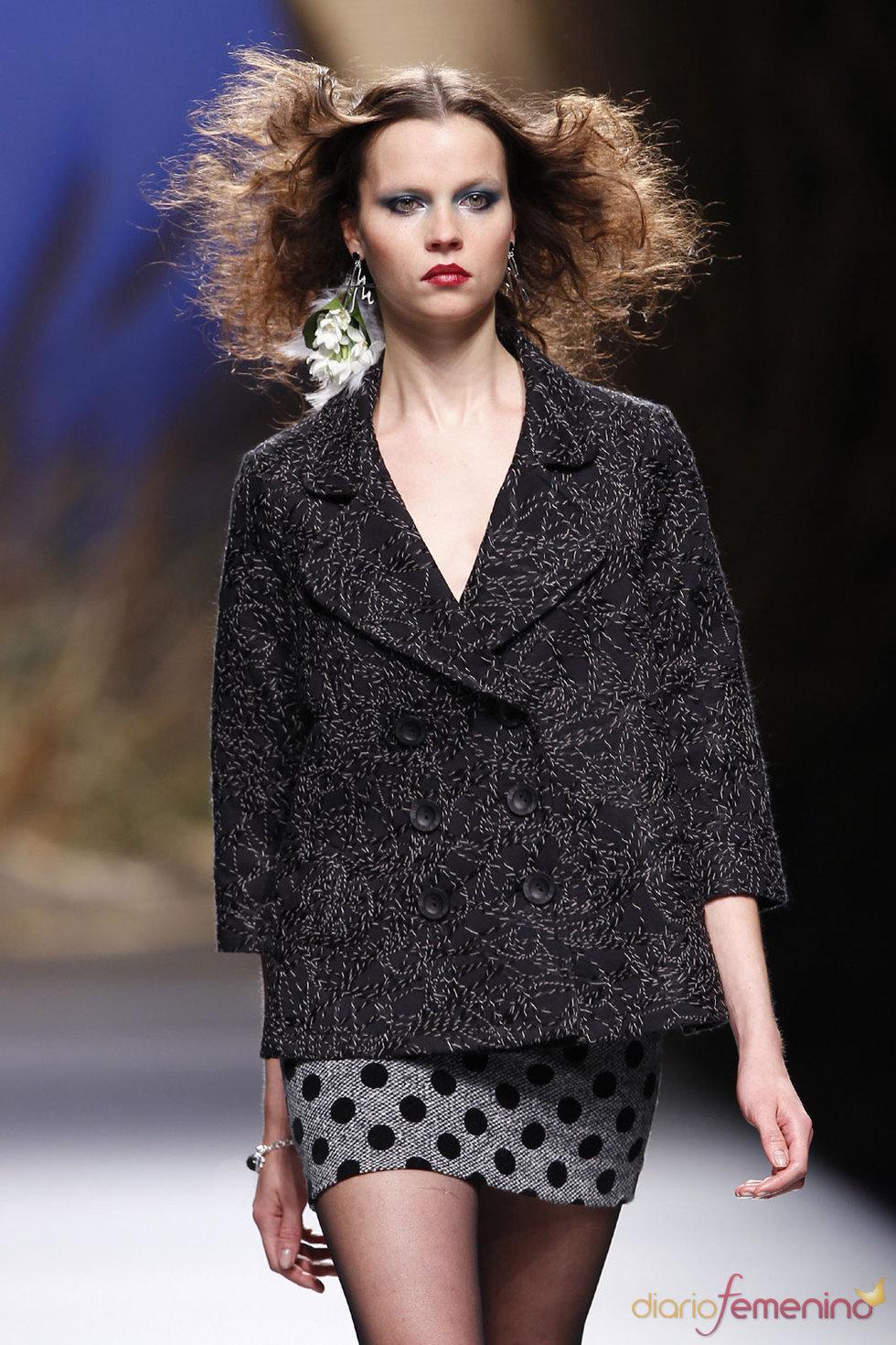 Cibeles Fashion Week 2010 - Moda Francis Montesinos