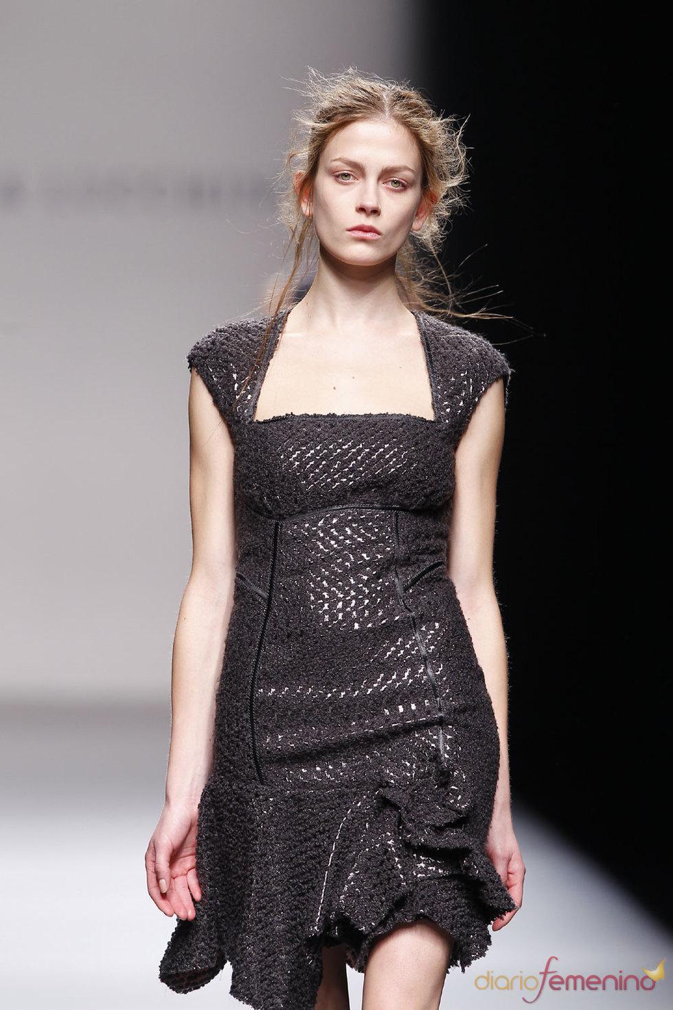 La elegancia de Victorio & Lucchino en Cibeles 2010