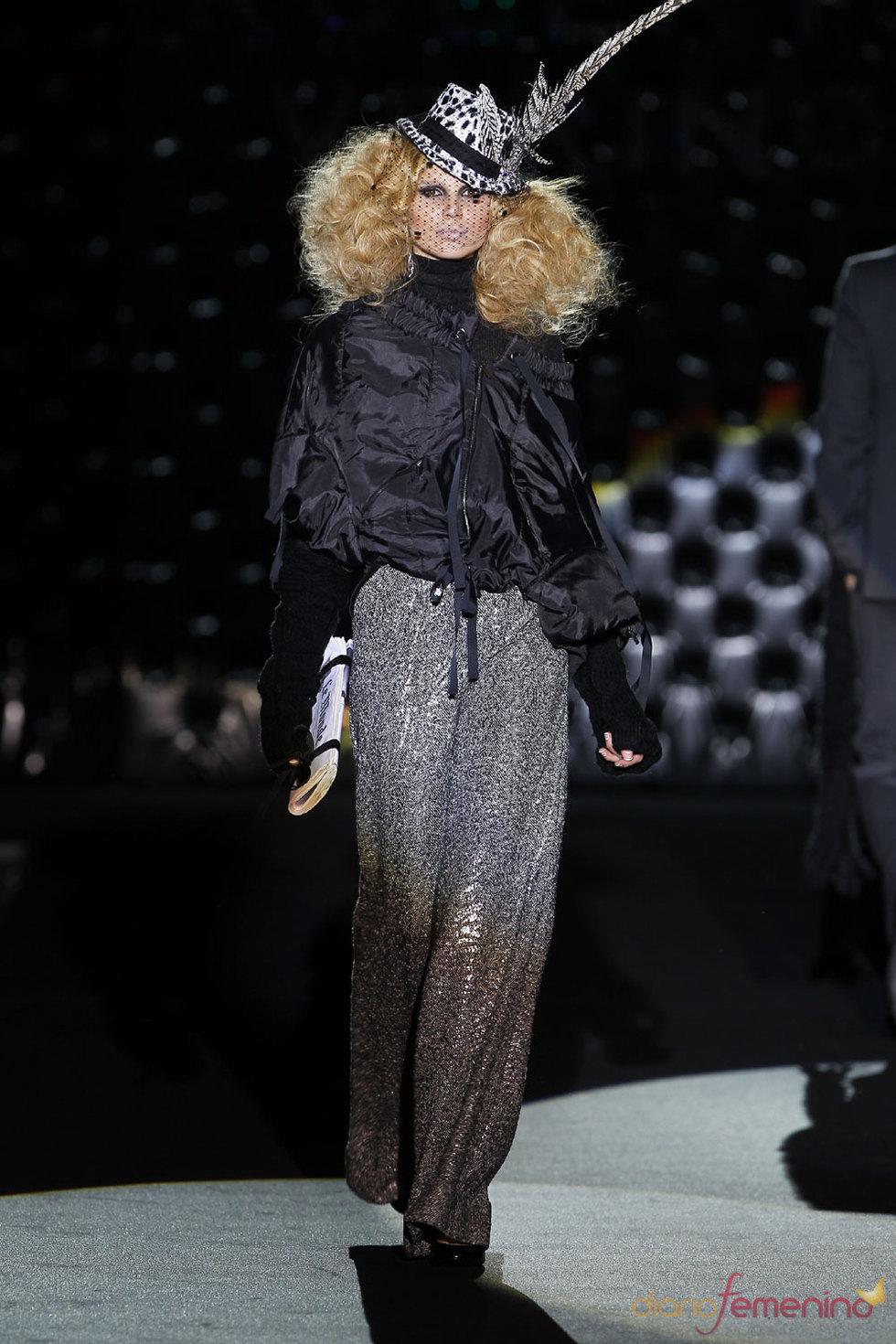 Glamour y elegancia femenina de Roberto Verino