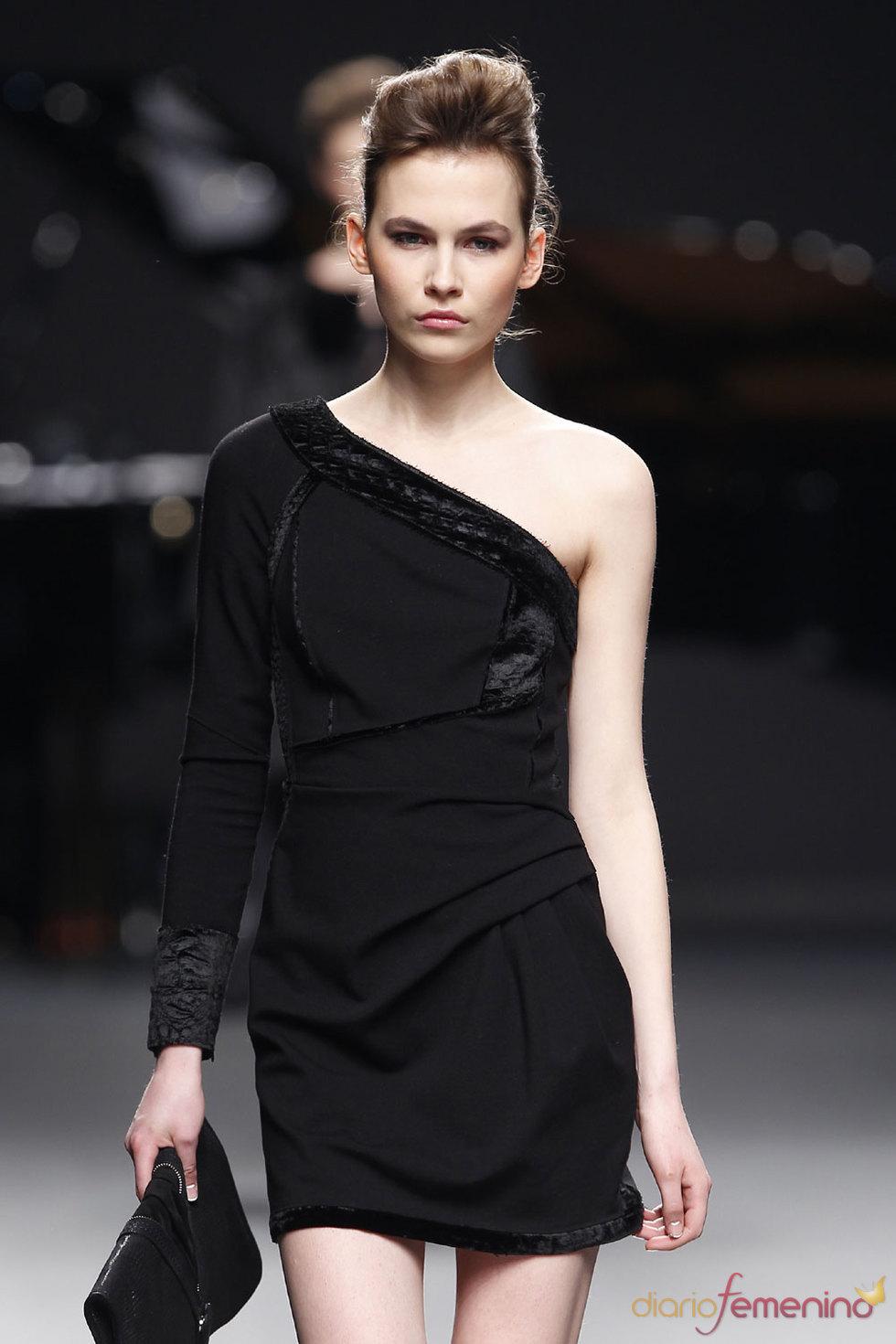 Moda Mujer 2010 - Adolfo Domínguez
