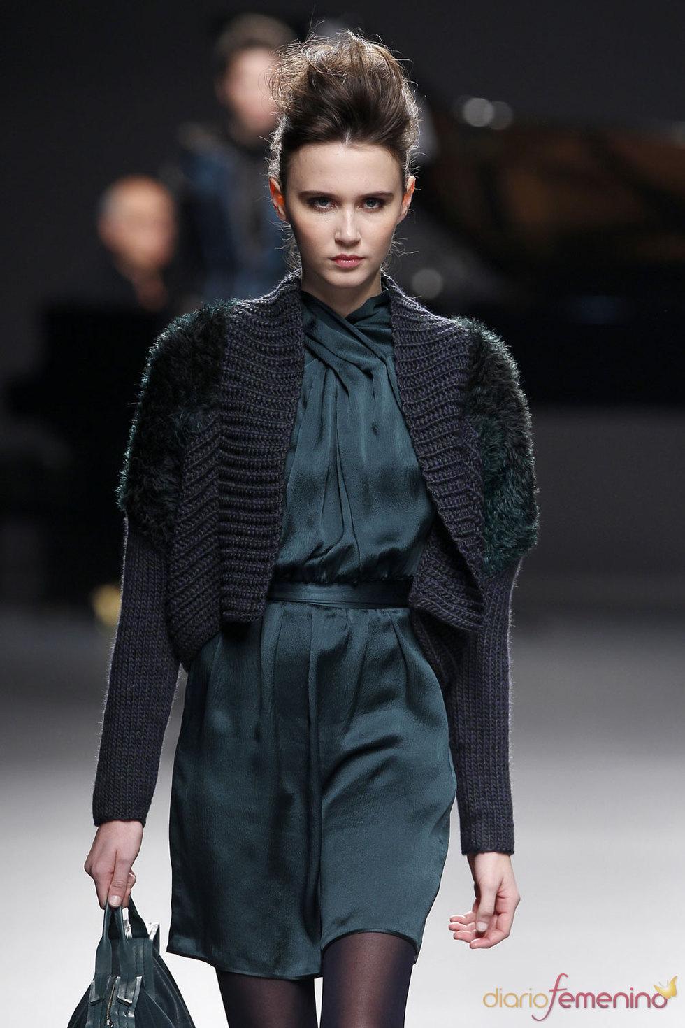 Color esmeralda en la moda de Adolfo Domínguez