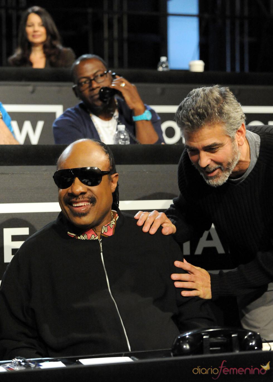 Stevie Wonder y George Clooney