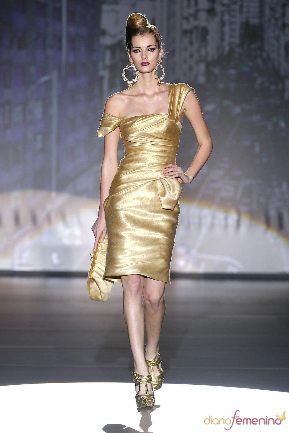 Modelos de vestidos de noche - Hannibal Laguna