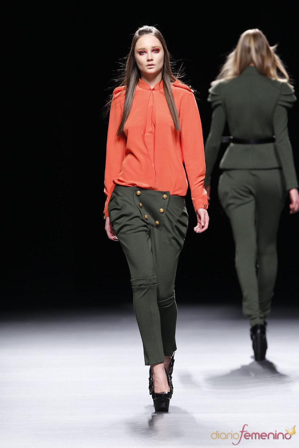 Pantalones - Moda femenina de Juanjo Oliva - Cibeles 2010