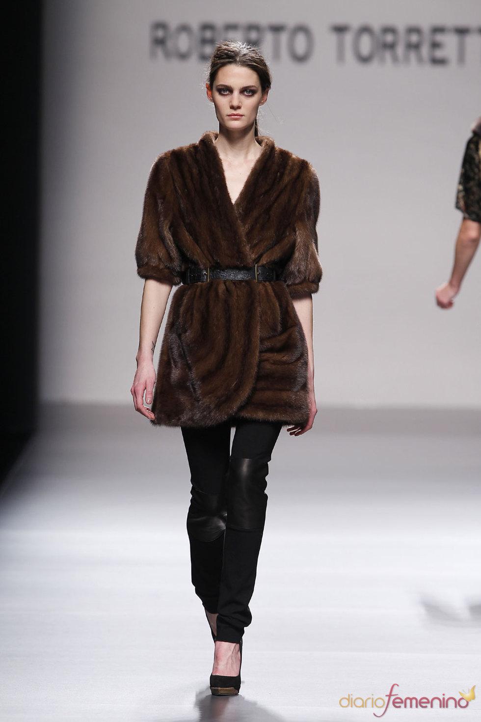 Roberto Torretta: Abrigo de piel