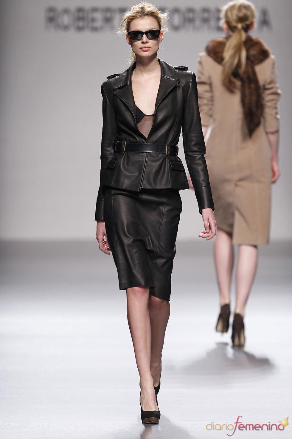 Trajes y faldas de Roberto Torretta