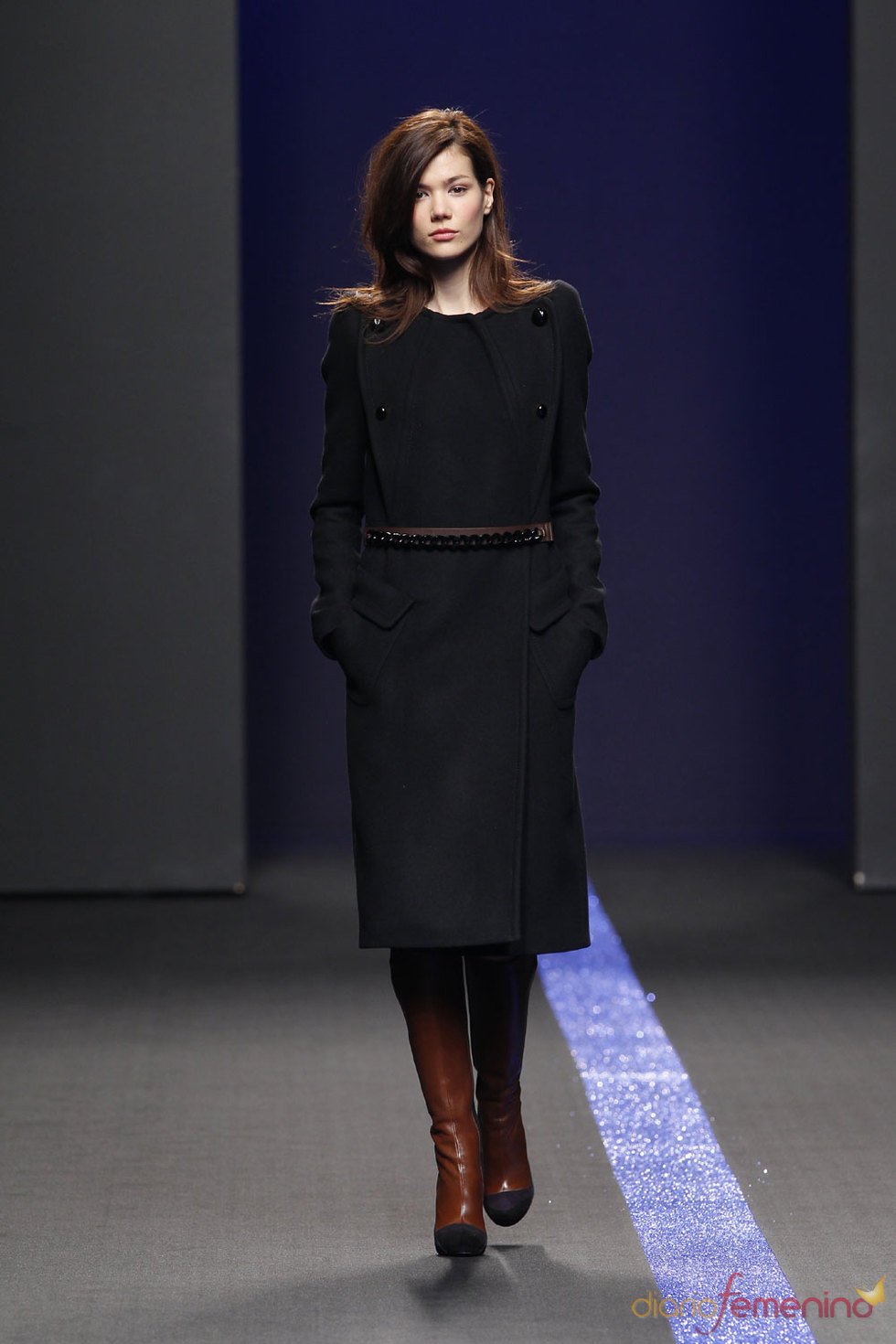 Abrigo negro de Miguel Palacio