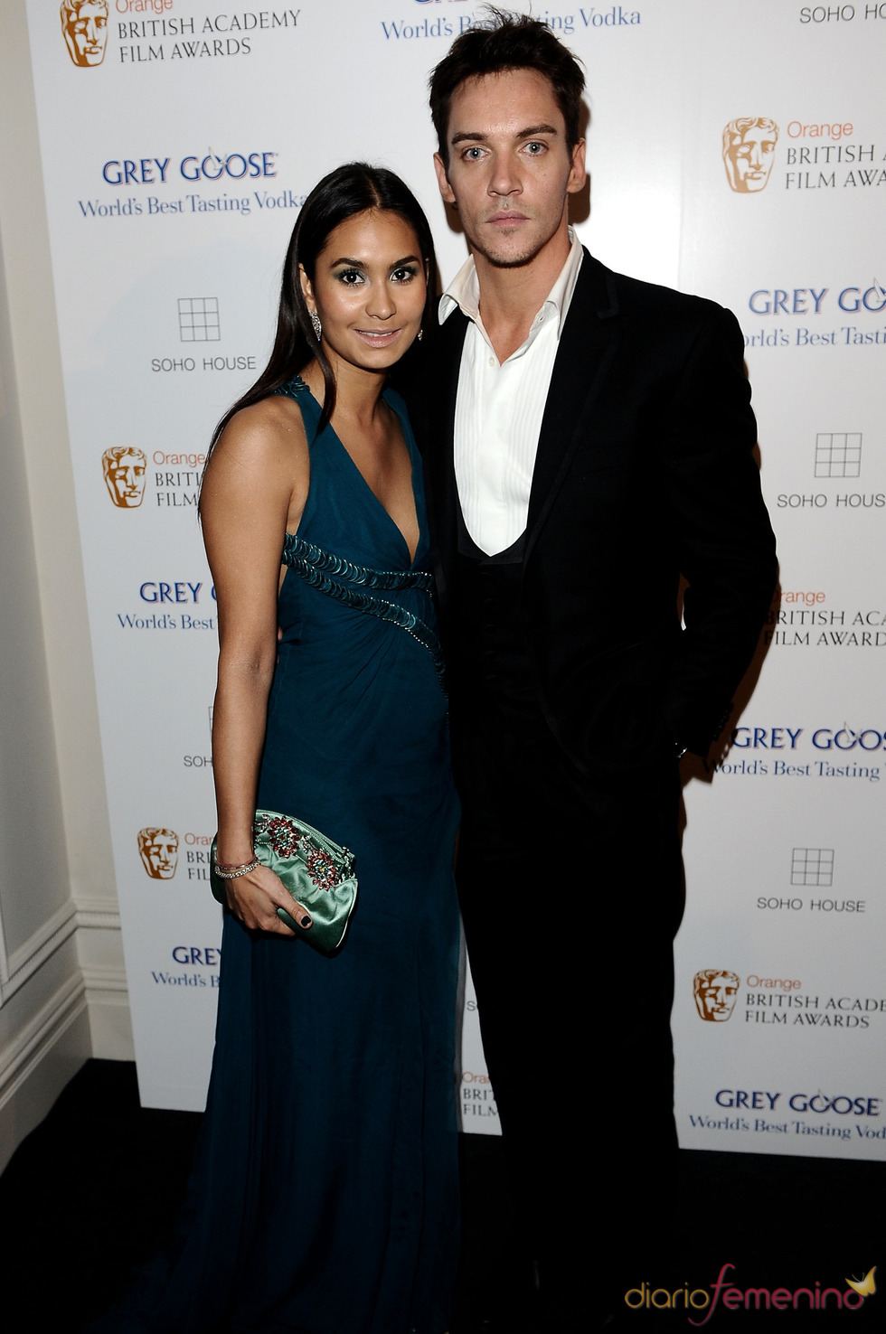 Jonathan Rhys Meyers en los BAFTA 2010