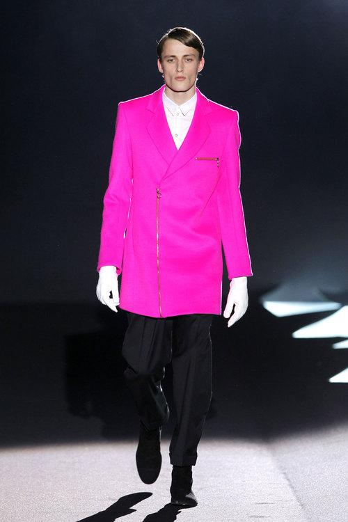 Imagenes Traje De Baño Para Hombres:de davidelfin para hombres pasarela cibeles 2010 rosa fucsia el color