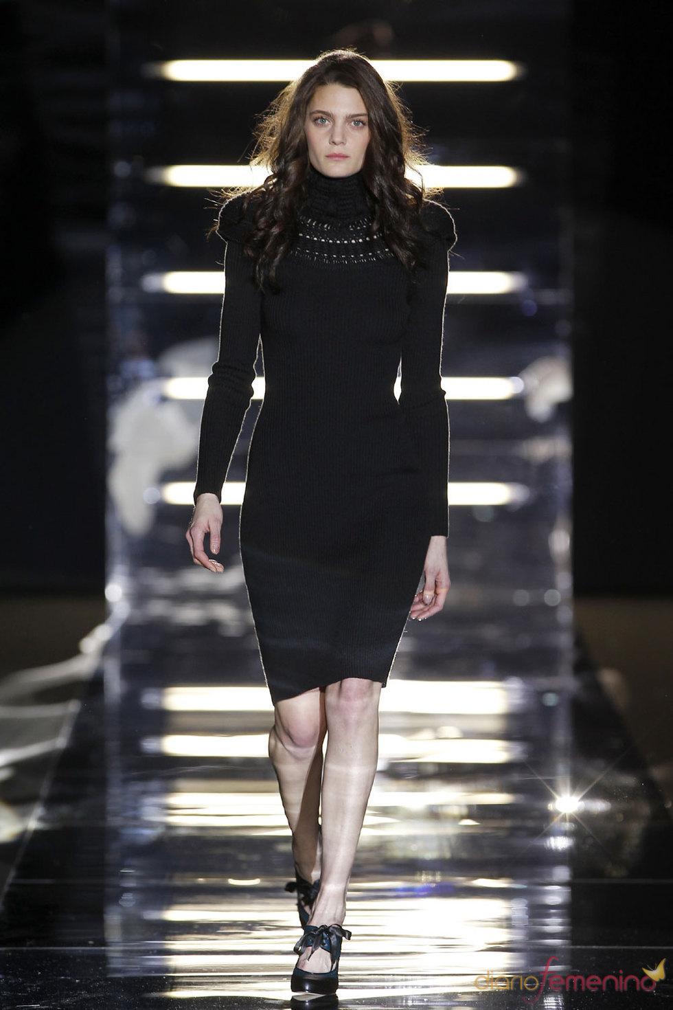 Vestido negro con sofisticación de tricot - Sita Murt