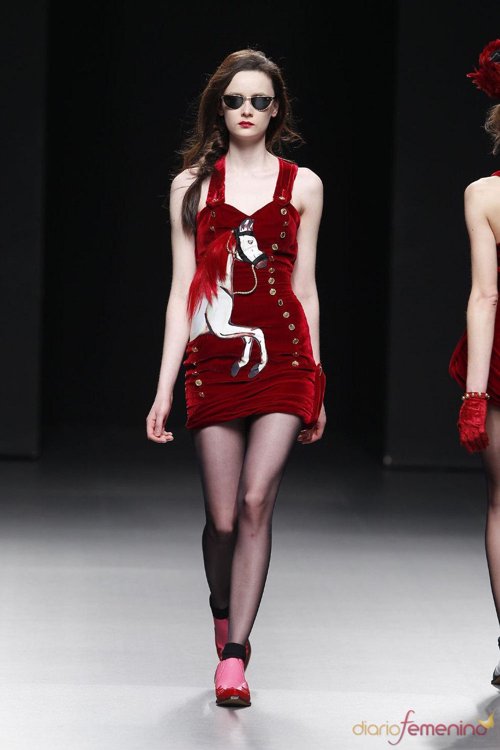 Mini vestido de María Escoté - Cibeles 2010