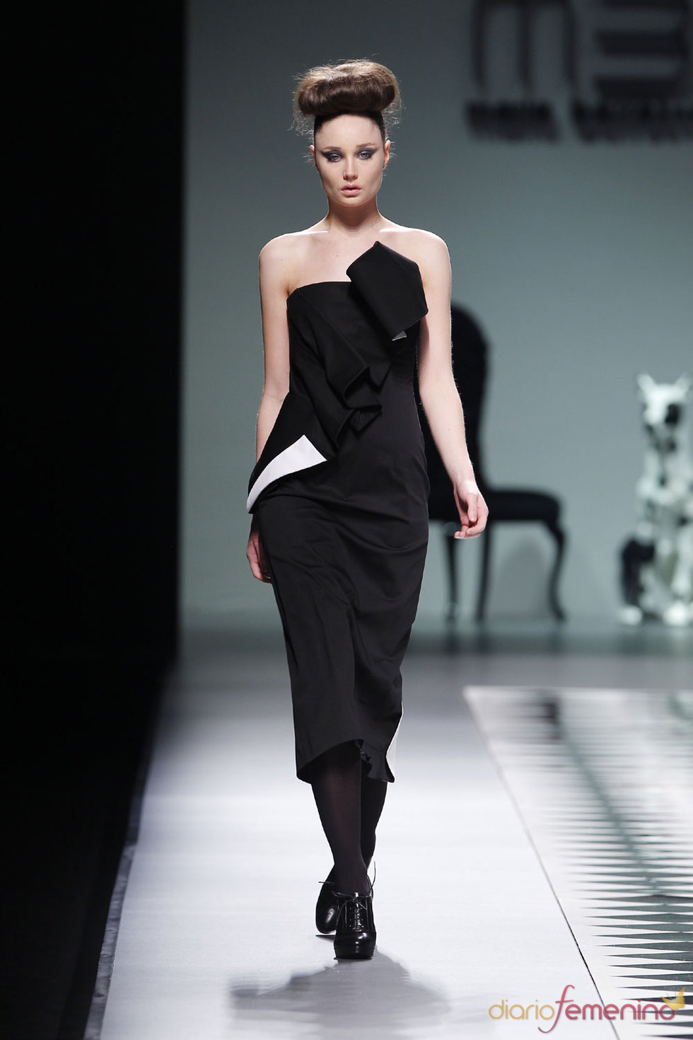 Modelo de la diseñadora María Barros - Cibeles 2010