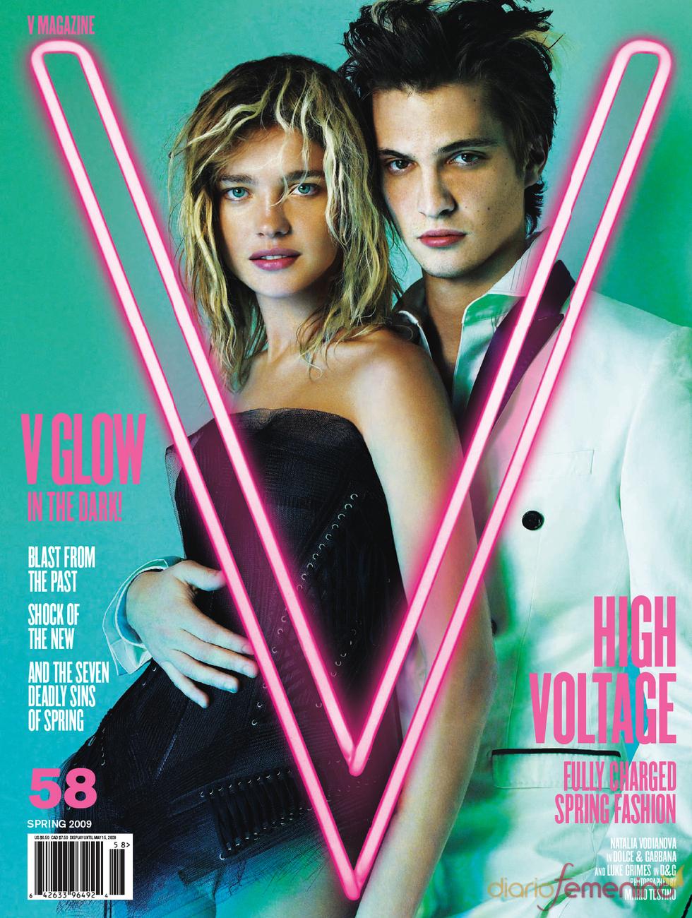 Luke Grimes, alto voltaje en V Magazine
