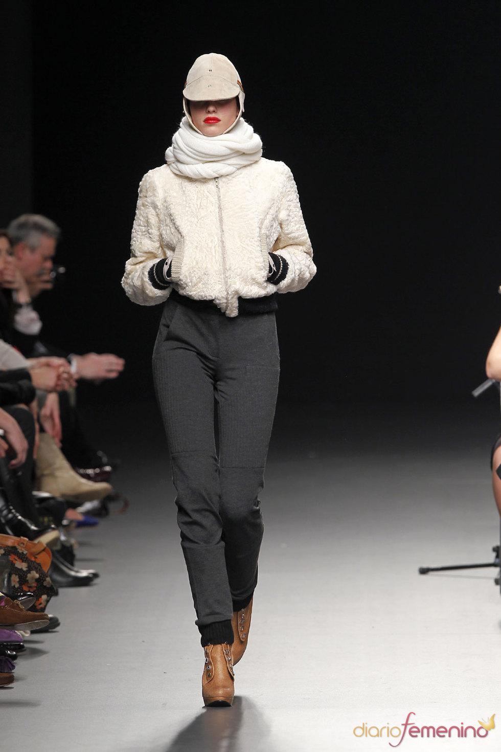 Nicolás Vaudelet diseña para 'El Caballo' - Pasarela Cibeles 2010