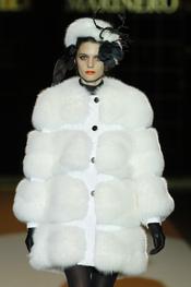 Abrigo blanco de Miguel Marinero