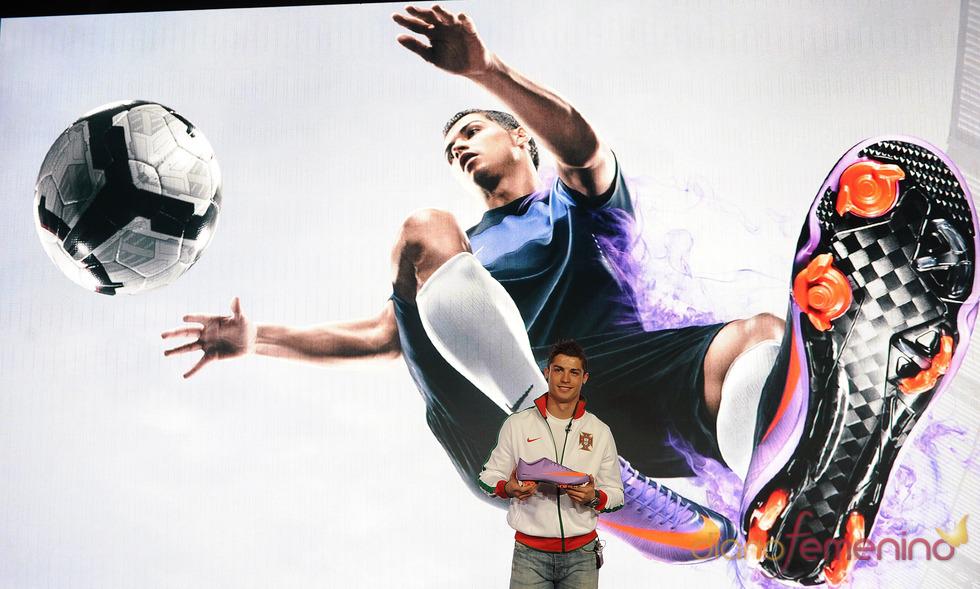 CR9 presenta las Nike Mercurial Vapor Superfly II