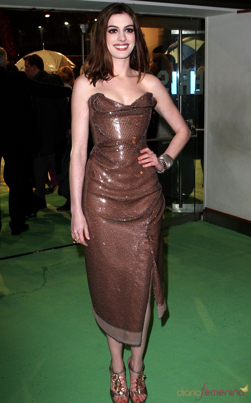 Anne Hathaway en la première de 'Alice'