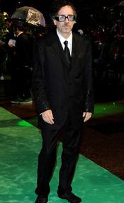 Tim Burton en la première de 'Alicia'