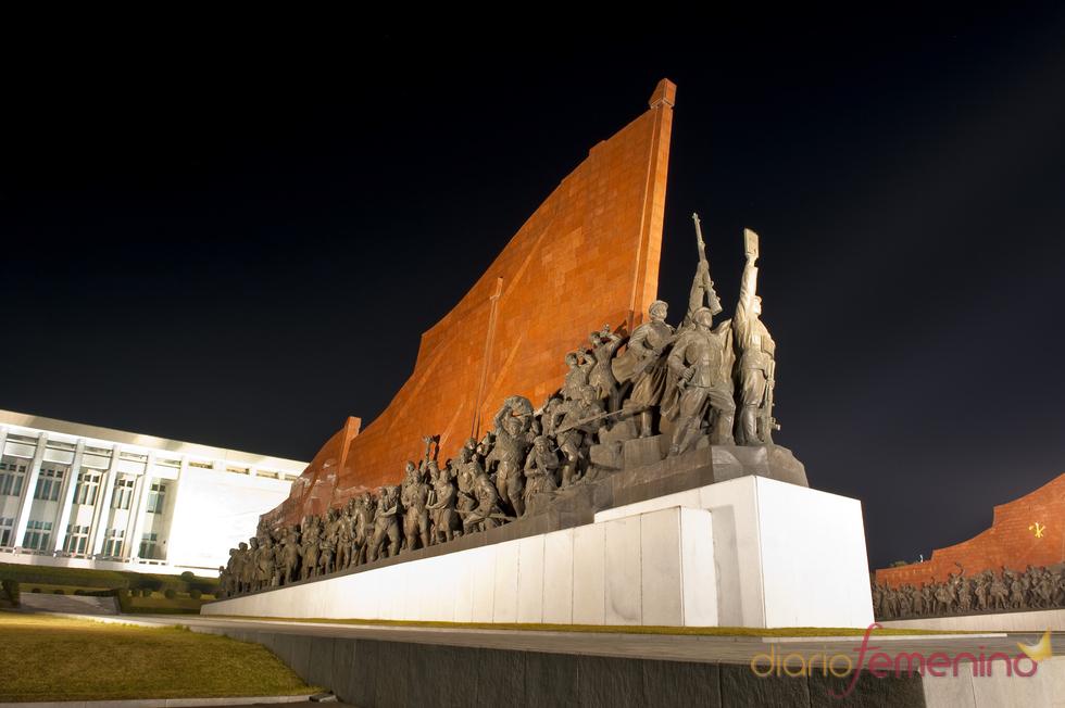 Monumento de soldados en Pyongyang