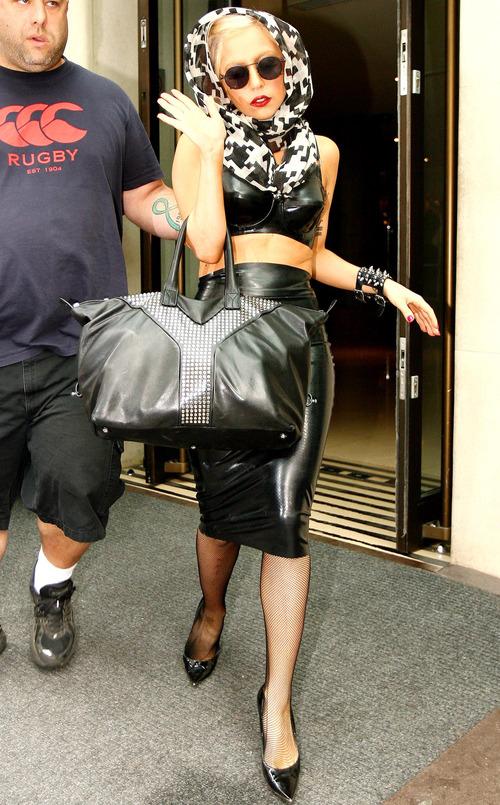 Lady Gaga: pañuelo dálmata
