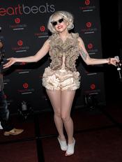 Lady Gaga, clásica con volantes