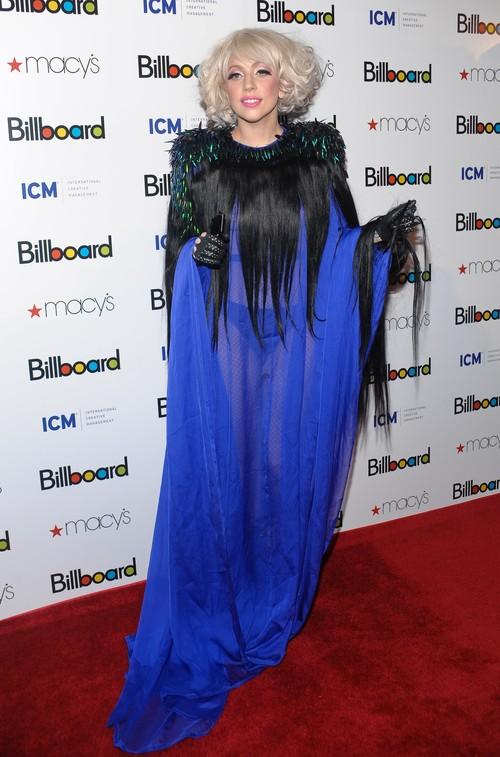Lady Gaga: azul y transparencias en los Billboard