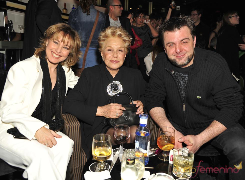 Lola Herrera y sus hijos en los Premios TP