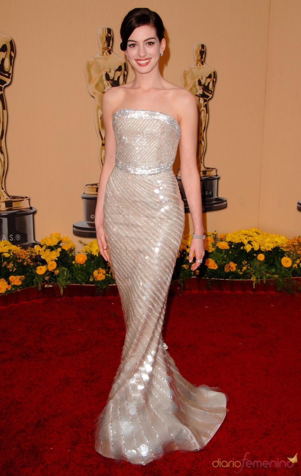 Resultado de imagen de Anne Hathaway en los premios Oscar 2009