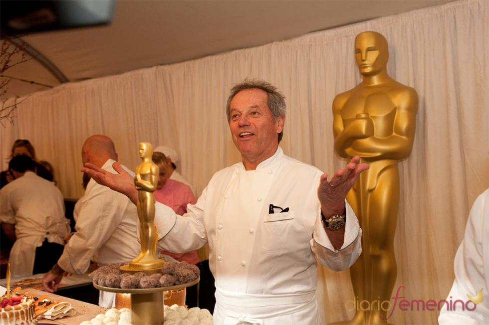 El cocinero Wolfgang Puck presenta el menu para la cena de los Oscars 2010