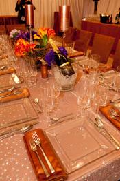 Mesa elegante de la cena de los Oscars 2010