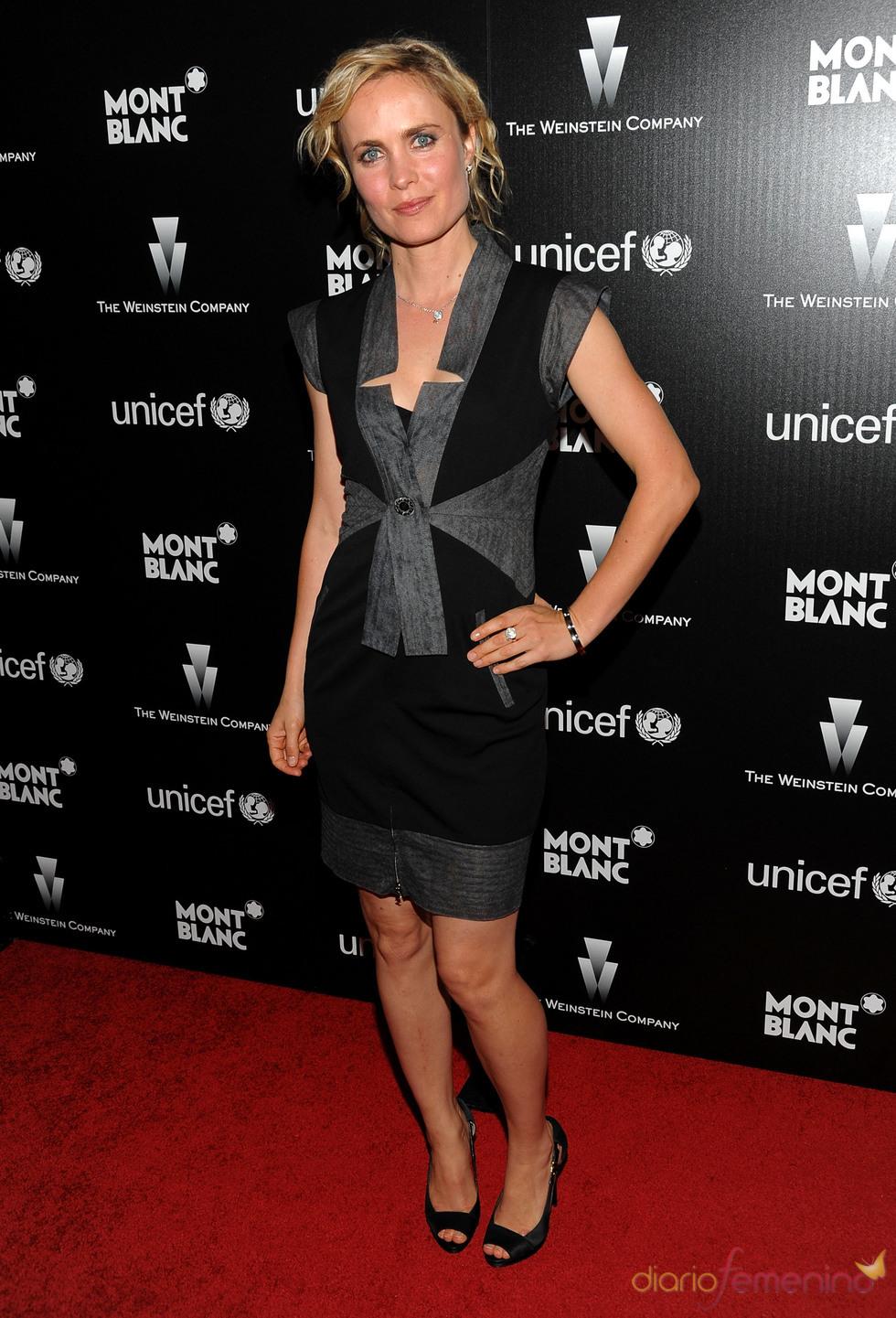 Radha Mitchell en la fiesta previa a los Oscars 2010