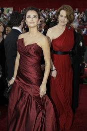 Oscars 2010: Penélope Cruz desfila en la Alfombra Roja