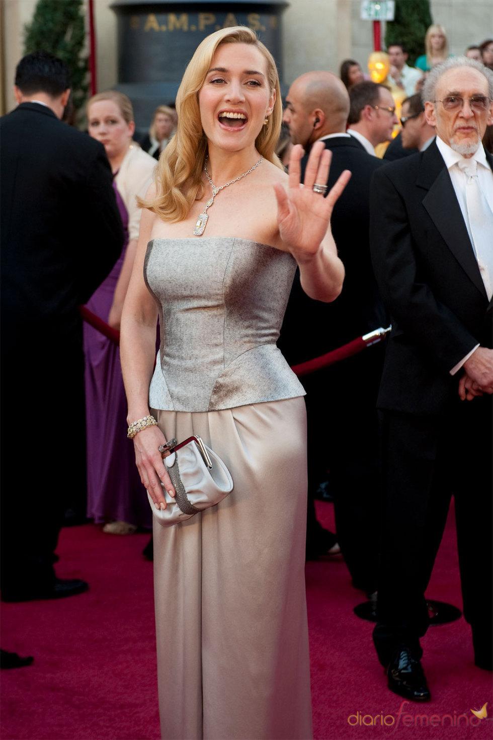 Kate Winslet en la Alfombra Roja de los Oscars 2010